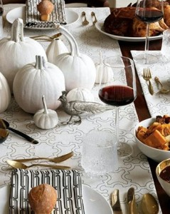 simple_elegant_thanksgiving_table_decor